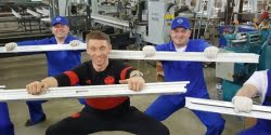 Производственная гимнастика от Пятого канала в компании Петроокна!